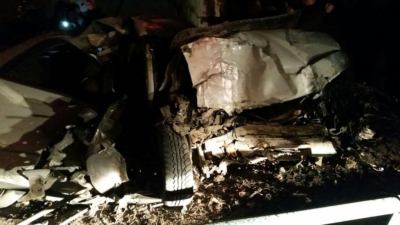 Тойота MarkII врезалась в дом вЯблочном