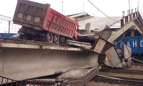 Владелец грузовика: знаков весового ограничения на обрушившемся в Приамурье мосту не было