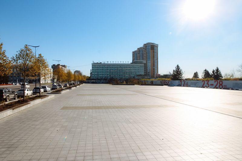 В Благовещенске продолжают    преображать площадь имени Ленина